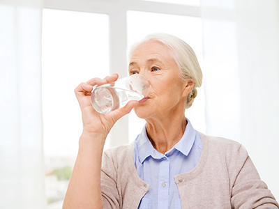 senior drinking water
